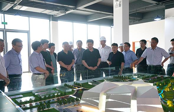 罗强在推进重大城市功能项目建设发展现场办公时强调:完善城市功能 优化城市品质 造福市民群众